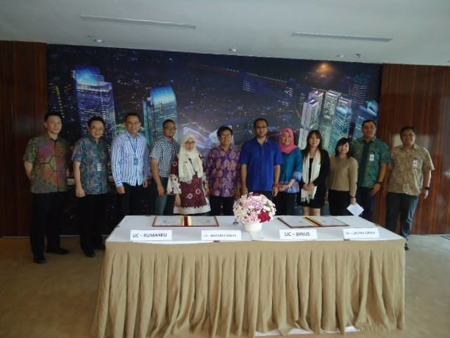 Foto bersama dalam penandatanganan kerja sama antara BINUS University dan Universitas Ciputra